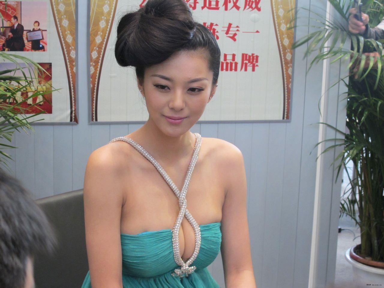 中国第一黄金比例美女艾尚真最新照片